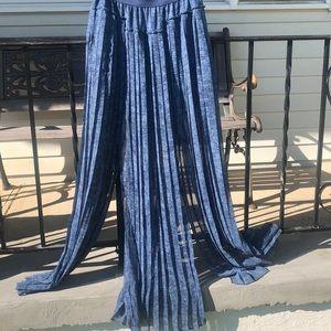 Pleated BCBG maxi skirt